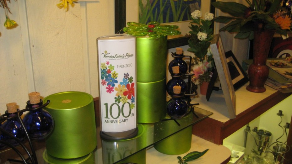 VanderSalm's Flowers Podia Display